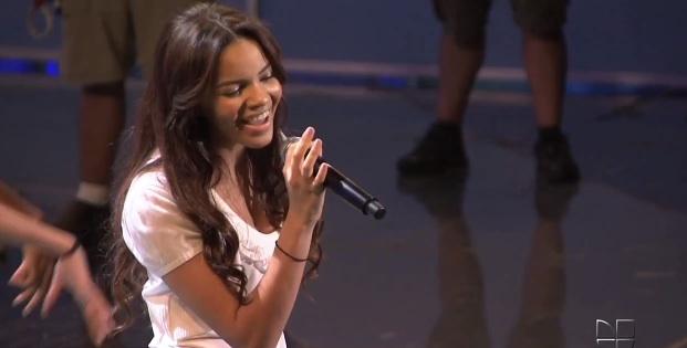 Premios Juventud 2012- Meet the future princess of bachata, Leslie Grace
