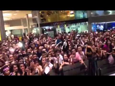 "Arcangel at the In-Store ""La Formula"" Launch in Medellin, Colombia"