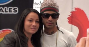 Arcangel Signs Copies of La Formula in Bogota, Colombia